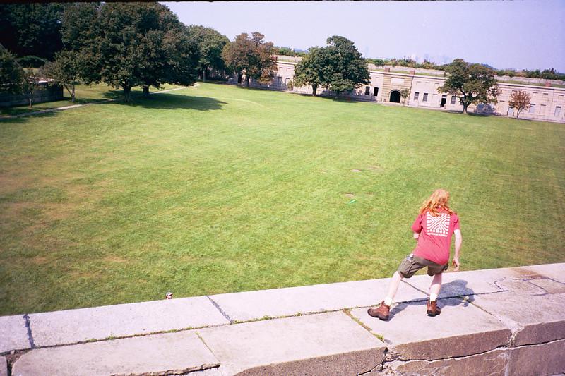 2000_Frisbee