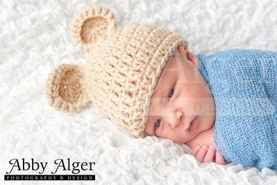 Alec Newborn 20131002 144146