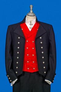 Mannsbunad fra Vestfold med svart jakke i Engelsk klede.