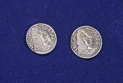 Holbergknapp i sølv til mannsbunad fra Fana