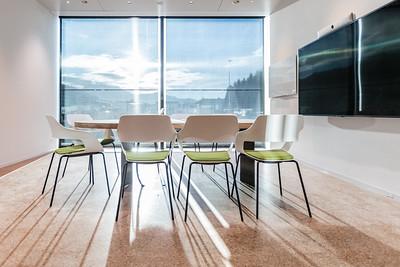 23 Das neue Managementgebäude: helle, grosszügige Sitzungszimmer. | The new management building: bright, generous meeting rooms