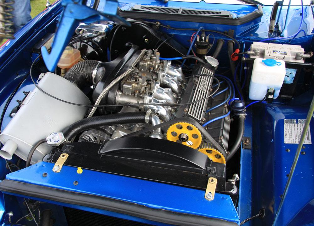jensen-gt-engine.jpg