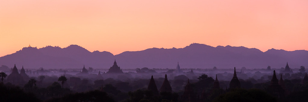 Waiting for sunrise in Bagan