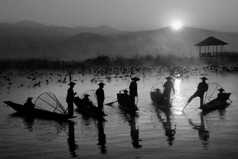 5 Silhouettes - Inle
