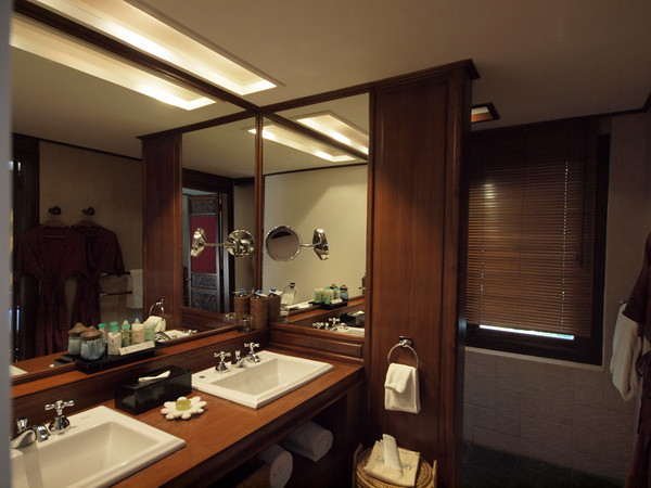 Room bathroom, Governor's Residence hotel, Yangon