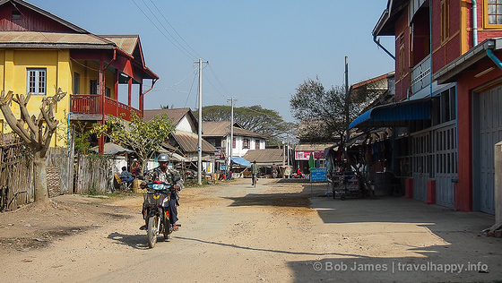 Unpaved dusty streets are the norm in Hsipaw