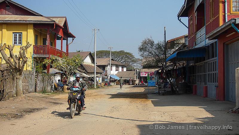 La Birmanie, à savoir ... - Page 4 Hsipaw-1-L
