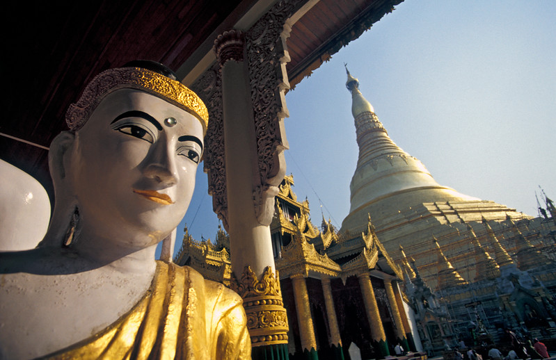 Buddha Statue in front of Shwedagon Paya