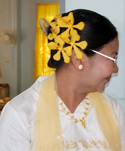 Mother of the Bride's Hair Ornament