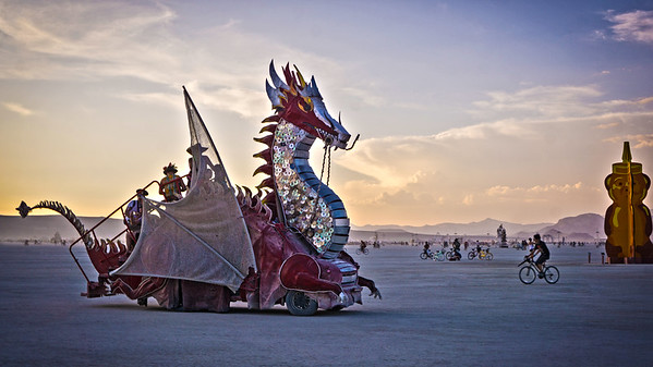 Dragon car on playa