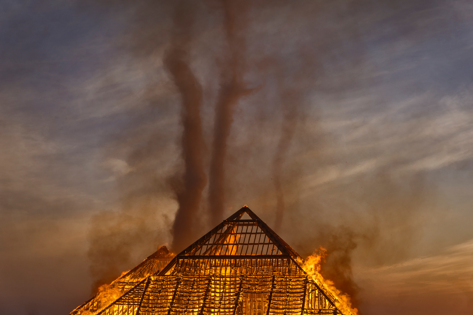 Catacomb of Veils goes up in flames