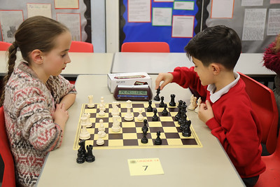 Board 7 - Alex Dequeant v Eniko Stuller (0 - 1)