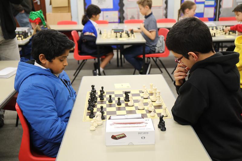 Board 1 - Tom Roy v Jonathan Palmer (1 - 0)