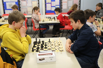 Board 2 - Aaron Saenz v Luke Davison (1 - 0)