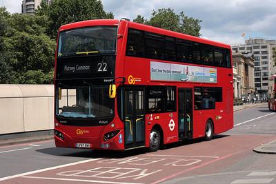 MHV 99-LF67 EWY on Knightsbridge.