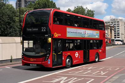EH 90-YY66 OYU on Knightsbridge.