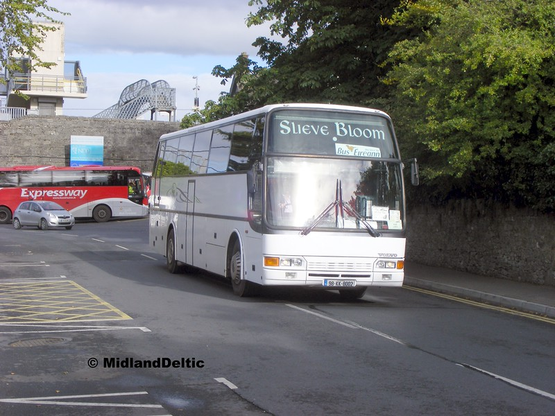 Slieve Bloom 98-KK-8002, Railway St Portlaoise, 22-09-2015