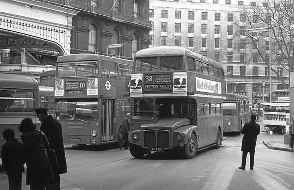 RM13 [London Transport] Victoria [jh]