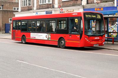 3984-GN07 DLJ at Eltham High Street.