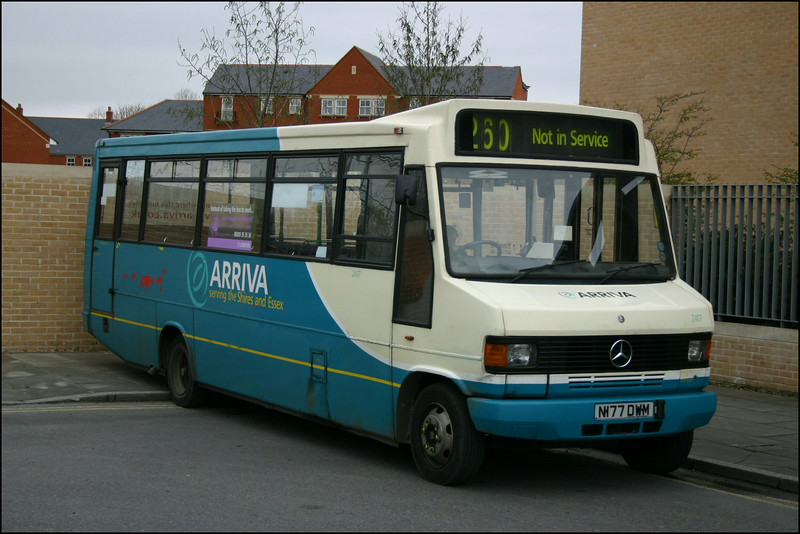 Arriva The Shires Mercedes Minibus 2417 (N177DWM) parked up at Oxford Railway Station - 10 April 2004.
