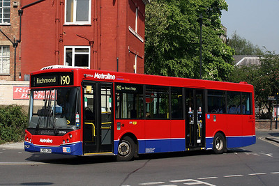 DML 964-LK58 CRV Metroline at Richmond Bus Station