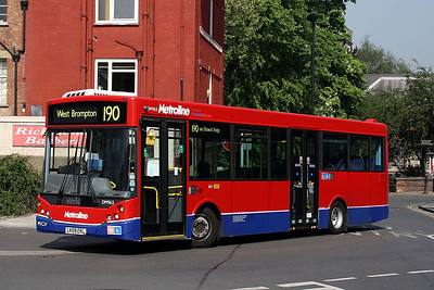 DM 963 LK09 EKL Metroline at Richmond Bus Station