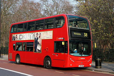 T 77-LJ59 ABU Arriva London at Green Park