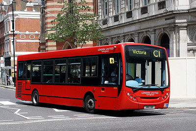 DE 96-SN10 CBO London United at Solone Square