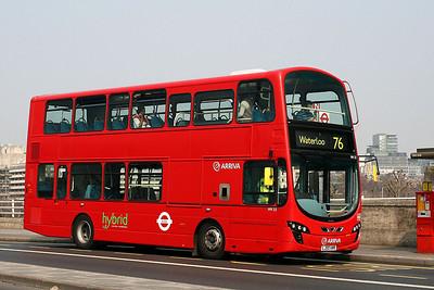 HV 22-LJ60 AWR Arriva London on Waterloo Bridge