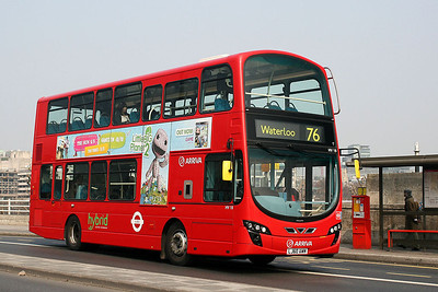 HV 18-LJ60 AWM Arriva London on Waterloo Bridge