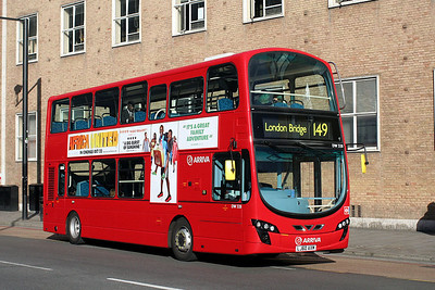 DW 328-LJ60 AXM Arriva London in Shoreditch High Street