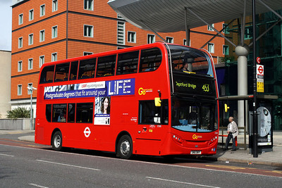 Go Ahead London E 185-SN61 BHY at Lambeth North