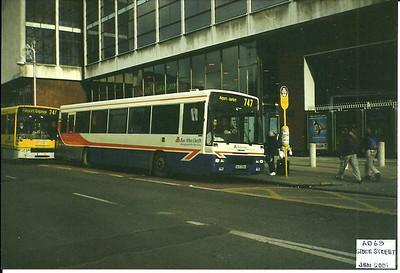 Bus Year: 2001
