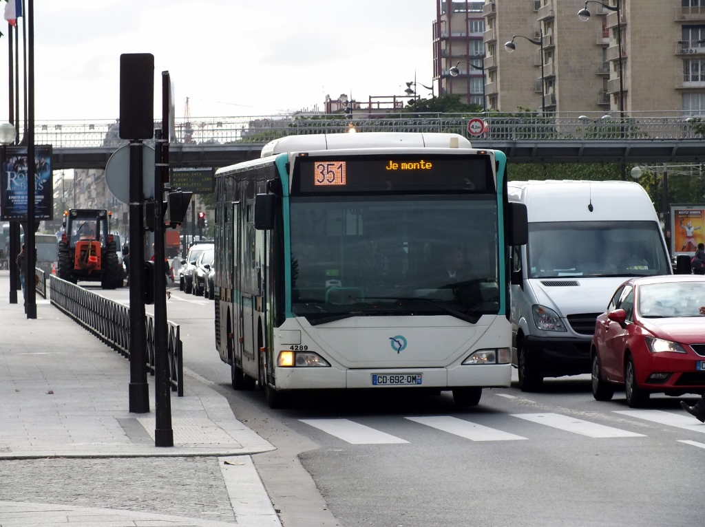 France: 4289 (RATP) Paris 24 June 2013 They are regulars on the 350 and 351.