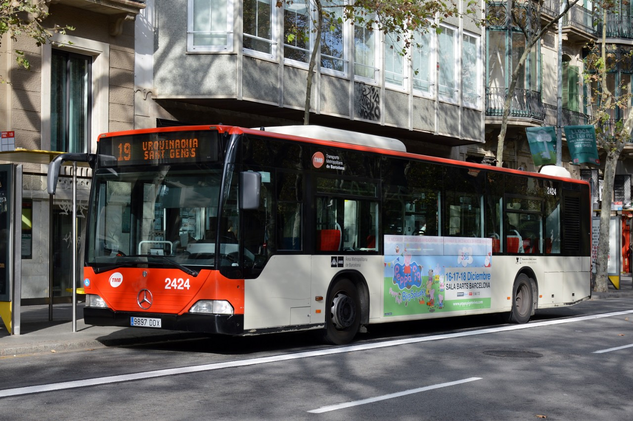 Spain: 2424 (TMB - Barcelona) Plaza Urquinaona 19 November 2016