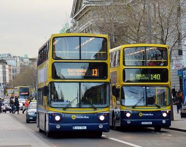 AV161 & AX516 O'Connell St 3 January 2015