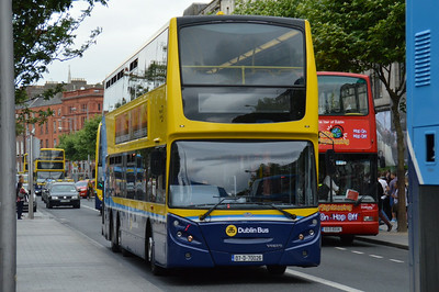 VT26 O'Connell St 3 July 2014