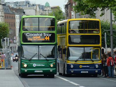 AV398 & AV410 O'Connell St 3 July 2014