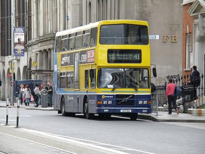 RV552 Abbey Street 25 June 2011