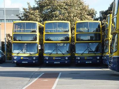 AV352, AV406 & AV191 Conyngham Road Garage 13 October 2012