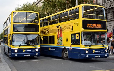 AX632 & AV419 O'Connell St 4 October 2018