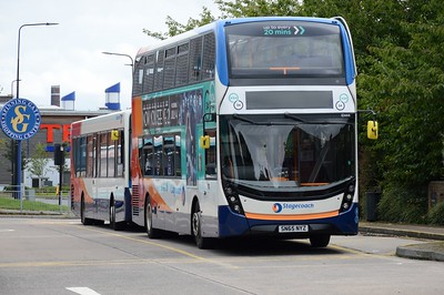 10444 Leigh Bus Station 21 August 2016
