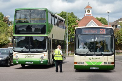 AV20 & 224 Uckfield Bus Station 5 June 2017