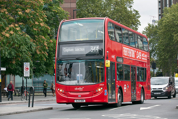 2454 SL14DDK, Elephant and Castle 20/9/2018
