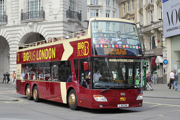AN339 LJ12JVK, Piccadilly Circus 18/8/2016