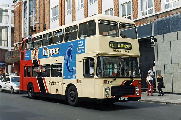 257 JWV257W, Brighton 13/8/1996