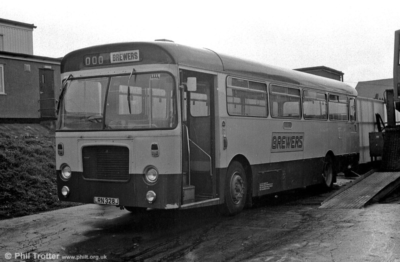 No. 328 in the Brewers fleet was LRN 328J, a 1971 Bristol RESL6L/Marshall B43F acquired from Ribble in 1987.