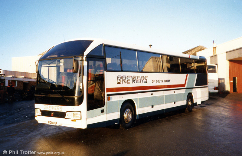 Brewers 137 (F100 CEP) was a 1989 Duple 425/C49FT, seen here at Ravenhill.