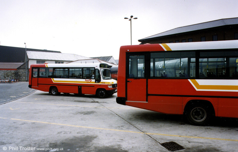 A scene at Bridgend Bus Station taken after the Brewers-SWT merger, featuring one of the ten 4XX series Mercedes 814D/Plaxton B31F.