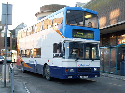 Stagecoach 16506 (R506UWL), Guildford, 2nd January 2010